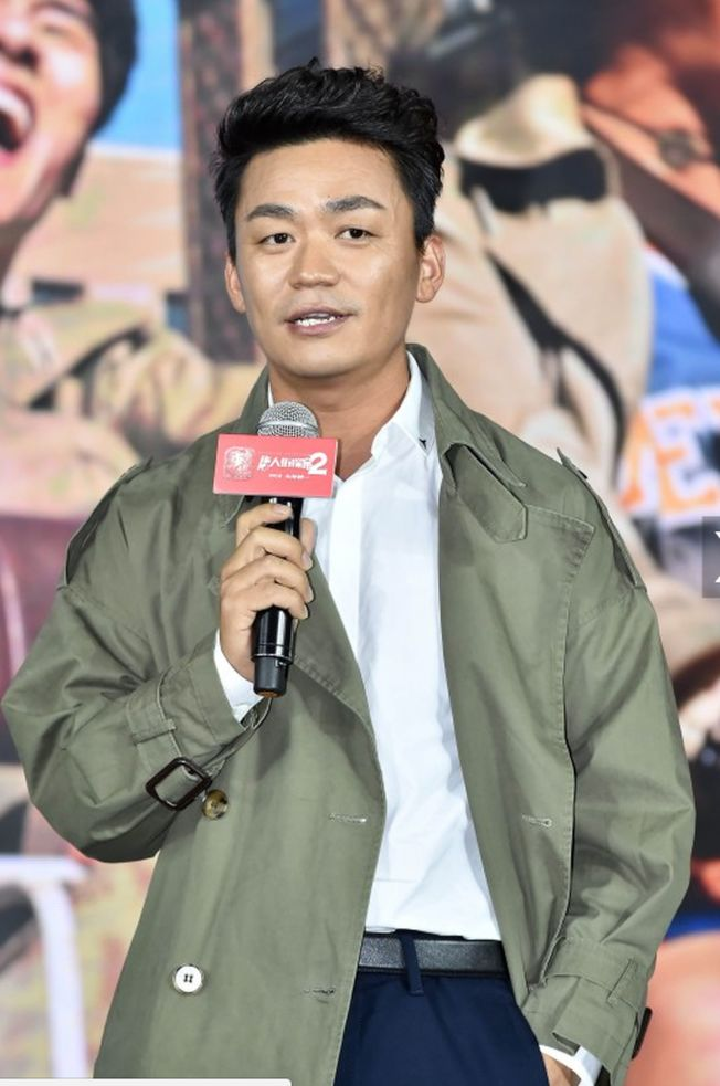 王寶強為了電影《唐人街探案2》在紐約裸奔。(取材自北青網)