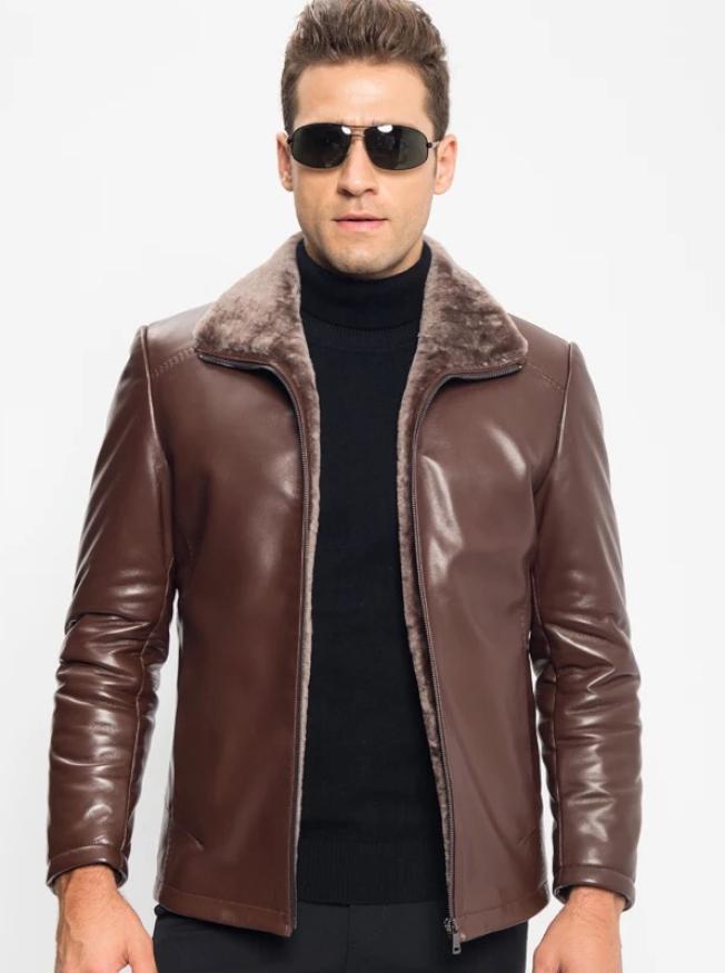 男式皮夾克。