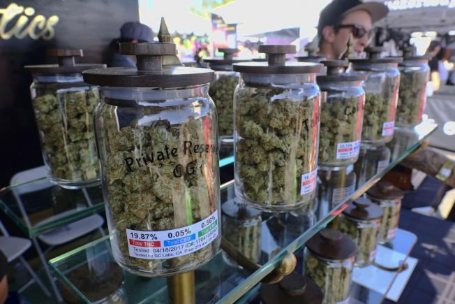 全美各急診室紛傳出吸大麻神秘後遺症。(美聯社)