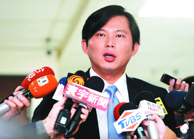 罷免電視說明會6日舉行,立委黃國昌說,他的表現留給選民打分數。(記者徐兆玄/攝影)