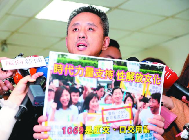 罷免電視說明會6日舉行,提案罷免人孫繼正質疑黃國昌不適任。(記者徐兆玄/攝影)