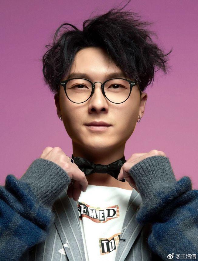 王浩信有顏值有演技,是新生代演員中的焦點。(取材自微博)
