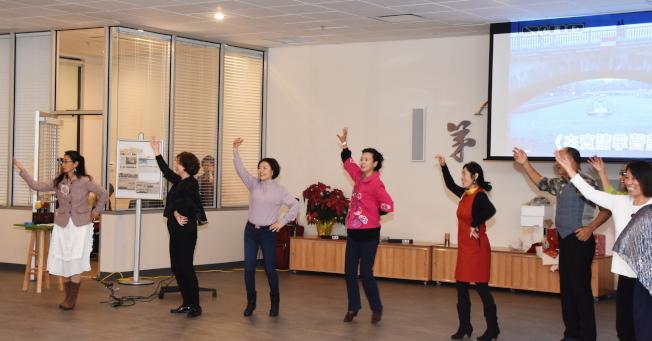 晚會中會員們歌唱、舞蹈一景。(奚瑞克/攝影)