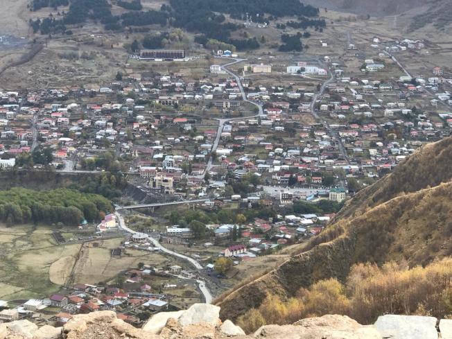 海拔6000呎的卡茲別克村莊。