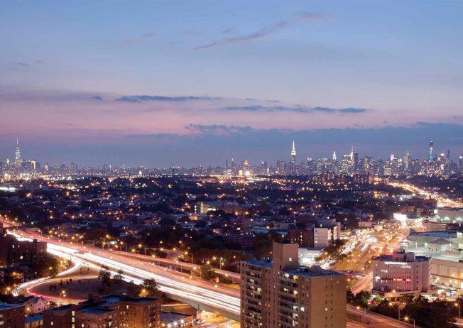 「The Alexander」視野極佳,可以看到曼哈頓天際線。(取自The Alexander網站)
