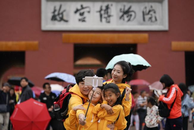 遊客在故宮博物院遊覽。(中新社)