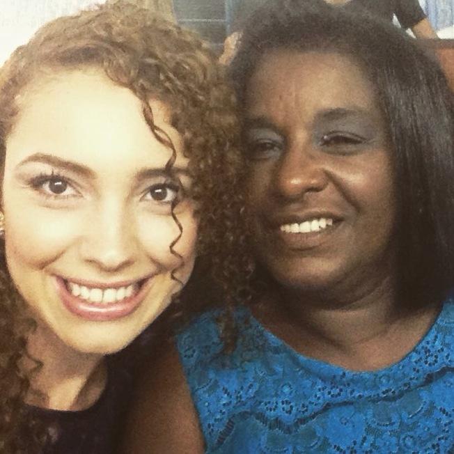 瑪麗娜和羅薩莉婭媽媽。
