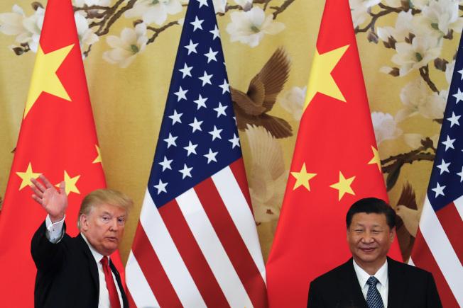 美國總統川普今年11月訪問中國,報告指出,2030年中國經濟規模將超越美國,成為全球最大的經濟體。(美聯社)