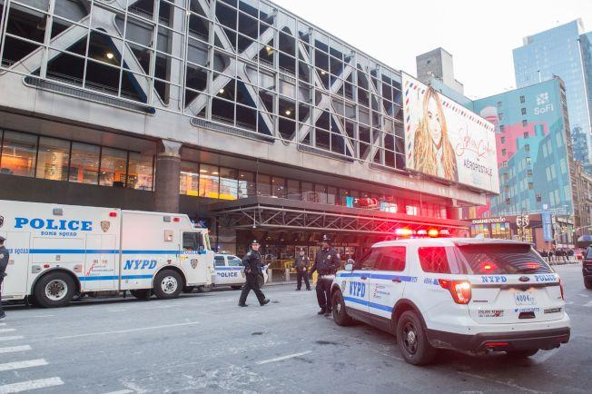 恐怖分子在紐約市巴士總站引爆炸彈。(Getty Images)