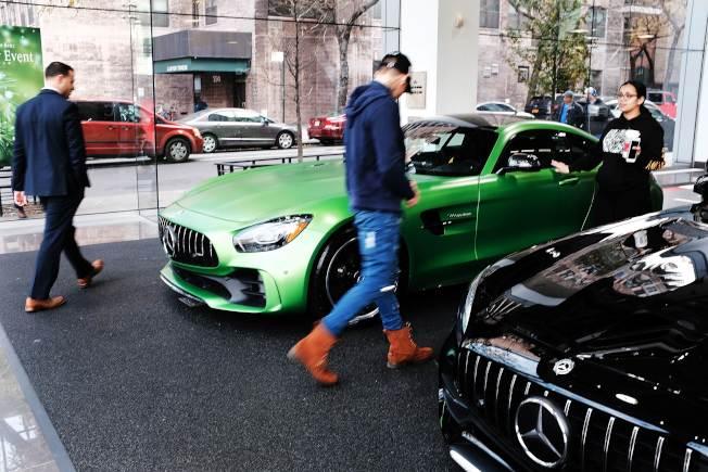 曼哈頓一家豪車經銷商的展示間。(Getty Images)