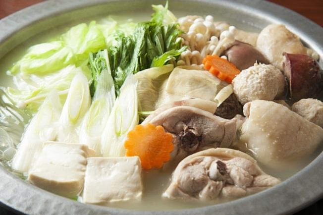 火鍋的湯能不能喝,是網路上的熱議話題。(Getty Images)