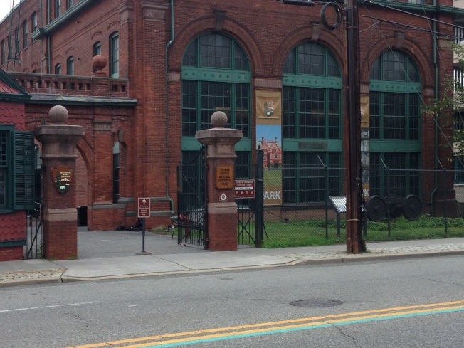 新澤西州西橘市愛迪生國家歷史公園的正門。