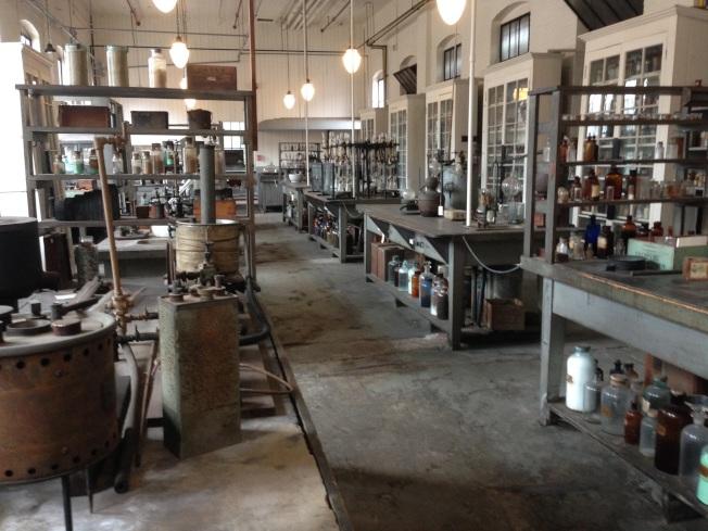 愛迪生的化學實驗室。
