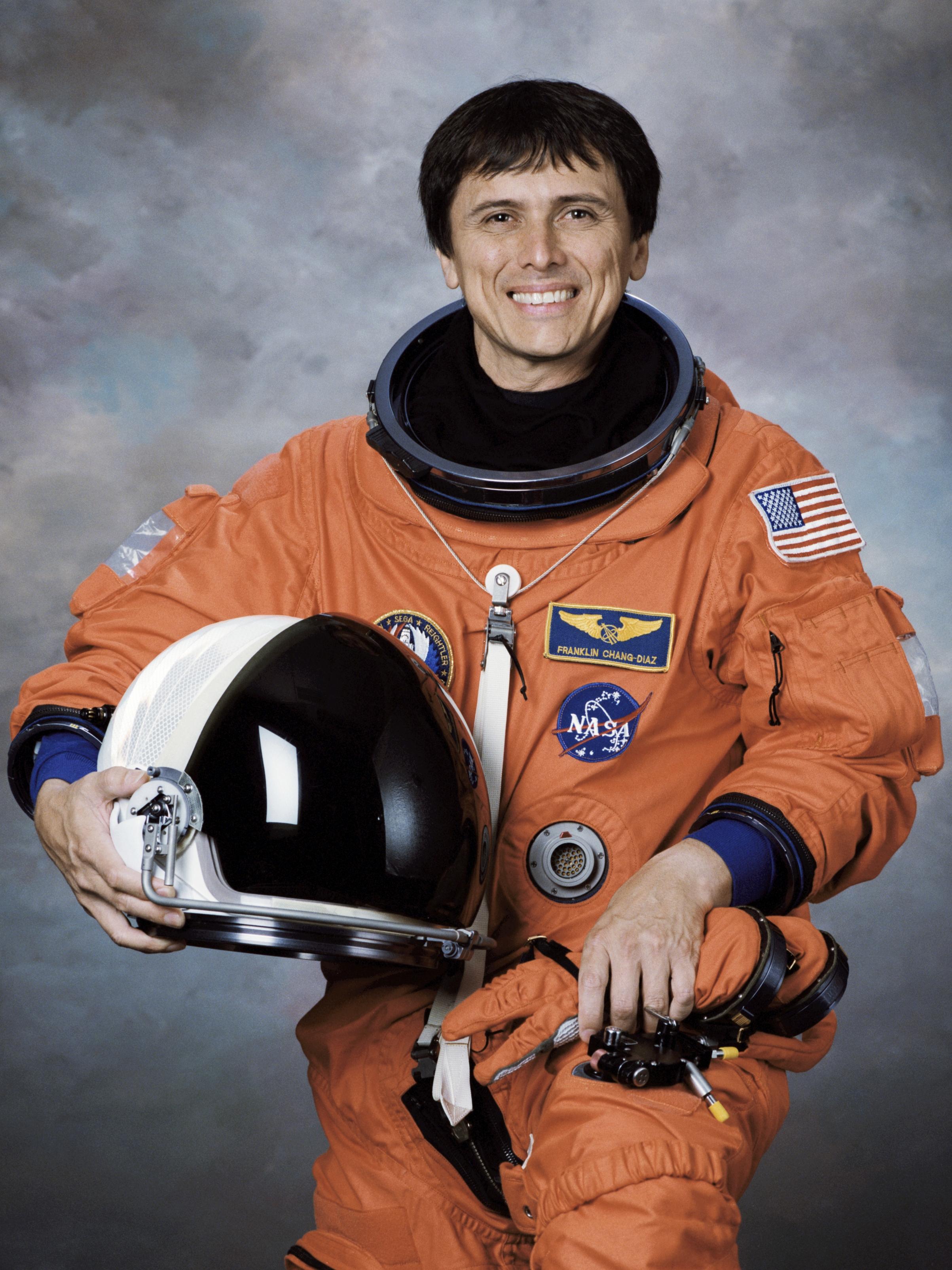 第一位華裔職業太空人張福林(Franklin Ro. Chang)。圖/取自維基百科