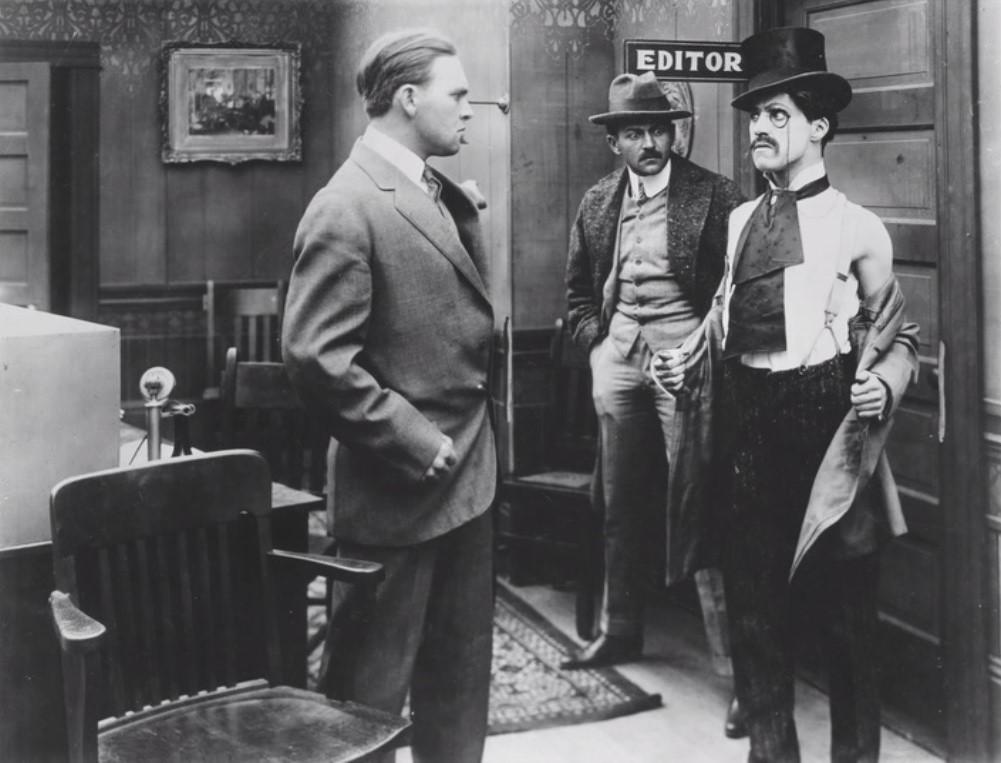 1914年電影《謀生之路》是卓別林首次出演電影。圖/取自維基百科