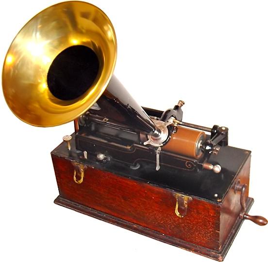 愛迪生臘筒留聲機。取自/維基百科