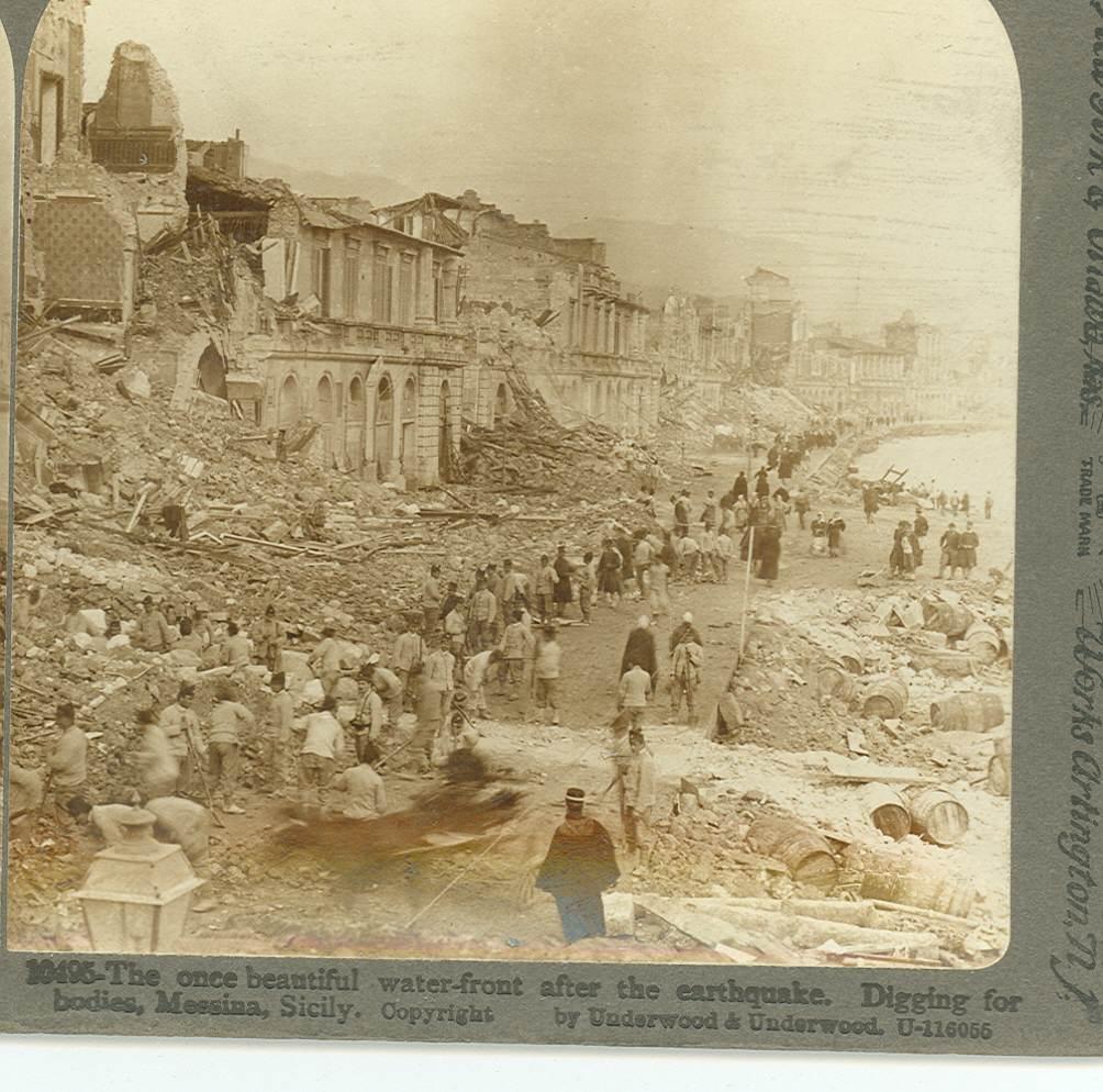 強震後的梅西納(Messina)大城岸邊慘況。(WikiCommons)
