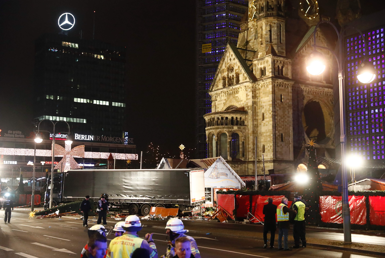 一輛18輪大卡車12月19日晚上高速衝入德國柏林市內熙來攘往的聖誕集市,造成至少12人喪生。圖為2016年Getty Images檔案照
