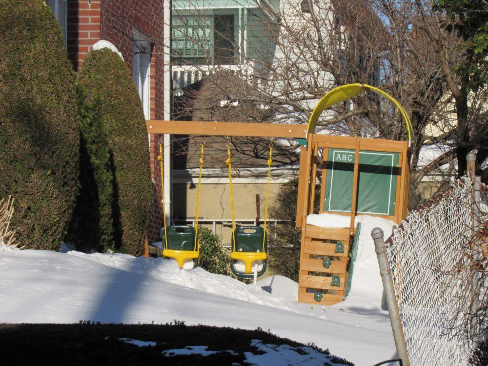 布碌崙戴克高地居住環境優良,因多有庭院可讓孩子玩耍,近年來吸引不少華人買家購屋。(記者顏嘉瑩/攝影)