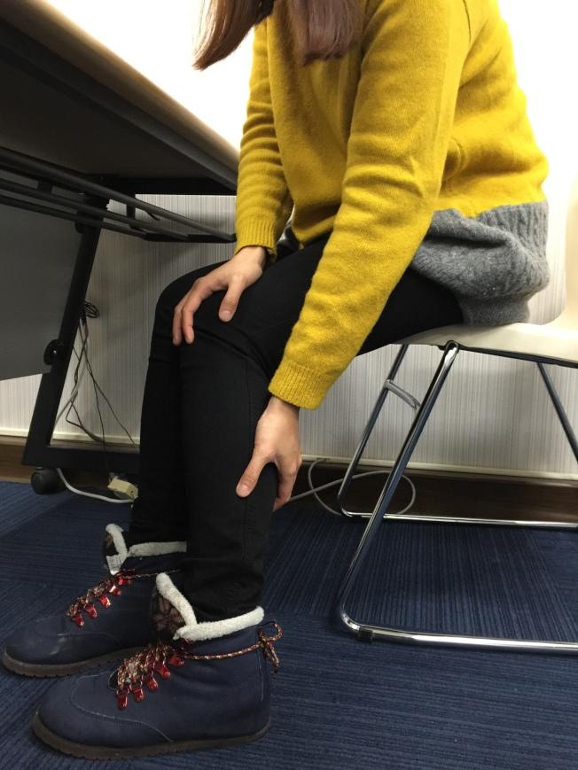 醫師提醒,下肢常腫大、冰冷或疼痛,甚至走不到10分鐘就需要休息,摸不到足背脈搏,恐是心血管疾病造成下肢動脈栓塞。(記者黃安琪/攝影)