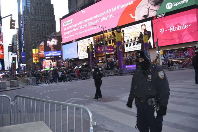 恐襲過後,時報廣場跨年夜安保史上最強。(記者俞姝含/攝影)
