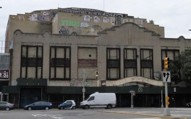 凱斯戲院已閒置30年。(記者朱蕾/攝影)