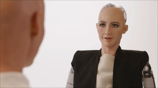 史上第一位有身分證的機器人蘇菲亞(Sophia) (網路照片)