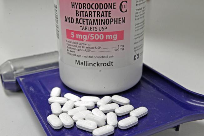 圖為常見的鴉片類處方藥氫可酮(hydrocodone)。(美聯社)