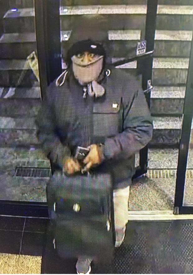 涉嫌搶劫法拉盛汽車旅館的男子。(警方提供)