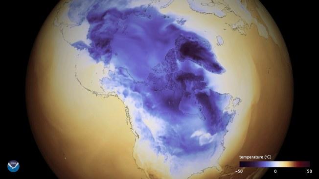 美國海洋及大氣管理局提供的衛星照片顯示,北極冰氣團大舉南下,籠罩大半個美國。(歐新社)