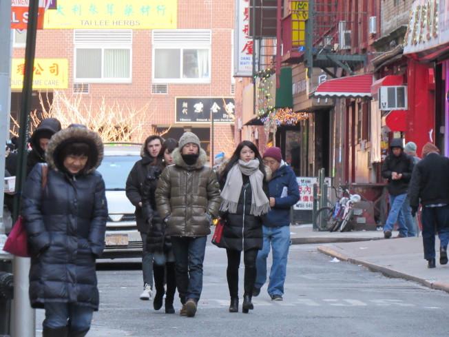 紐約市連續七天溫度低於華氏25度,寒冷的天氣讓不少民眾為家裡添購電暖器和電熱毯。(記者顏嘉瑩/攝影)