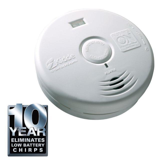 像這樣效期長達10年的新版煙霧警報器,在Home Depot約20元可買到。(Home Depot 網站)