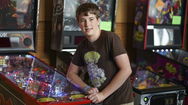 14歲的艾思契.雷夫科夫已是彈珠檯遊戲的世界冠軍。(美聯社)