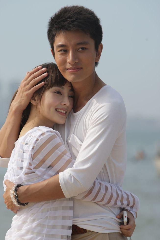賈乃亮(右)、李小璐因合作《當婆婆遇上媽》結緣。(圖:中天提供)