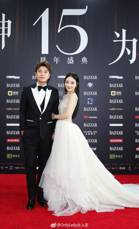賈乃亮(左)與李小璐外型登對。(取材自OnlyLady女人志)