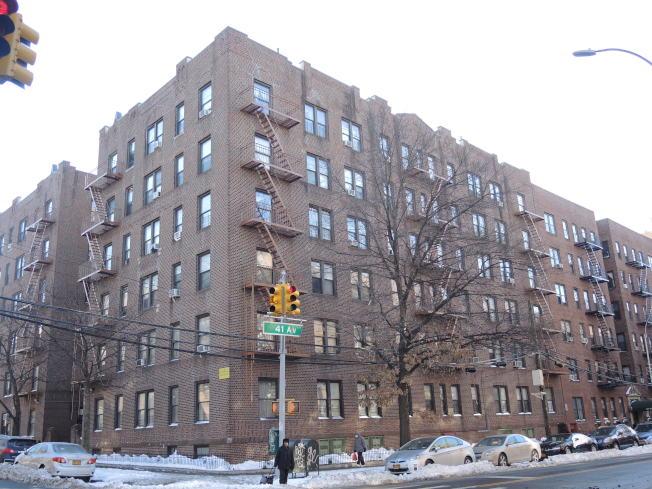 這棟六層高公寓樓日前以近1500萬元價格轉手。(記者朱蕾/攝影)