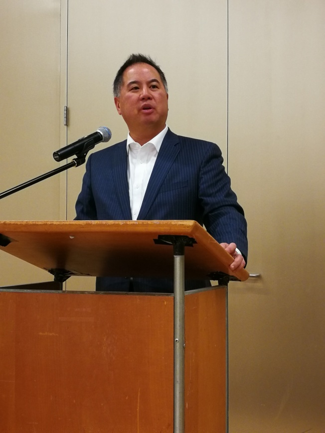 州議會預算委員會主席丁右立,重視新財年預算案為灣區帶來更多改善民生的資金。(記者黃少華/攝影)