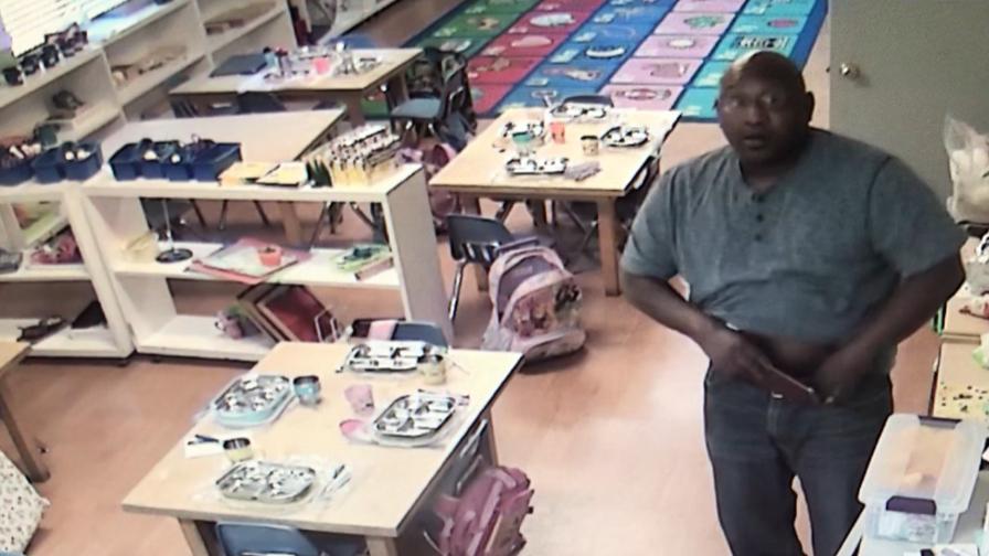 非裔男性嫌犯進入一所私立學校盜竊老師錢包。(爾灣警局提供)