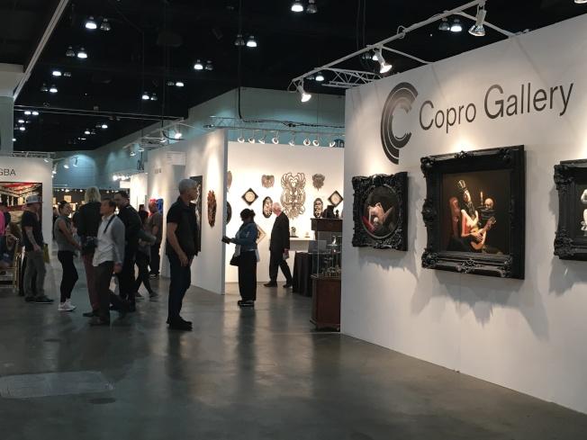 洛杉磯藝術博覽會歷史悠久,是相當重要的國際藝術盛事與交易平台。(記者謝雨珊/攝影)