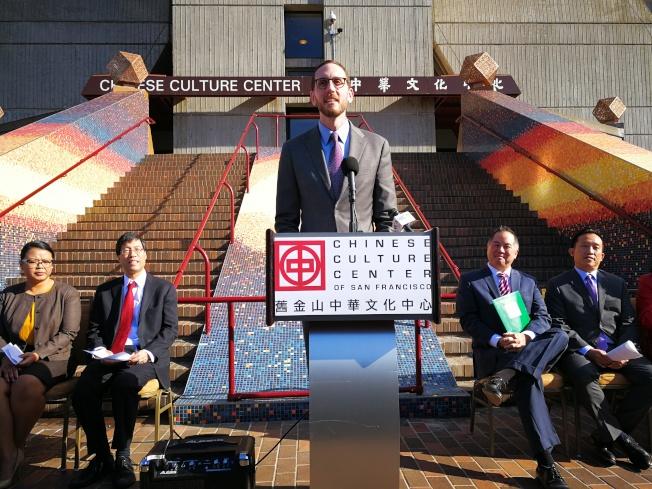 州參議員威善高肯定亞太裔農曆新年的文化意義和地位。(記者黃少華/攝影)