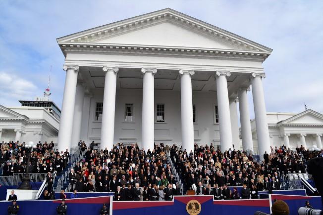 州長就職典禮在維州首府里奇蒙,由第二任州長湯瑪斯傑佛遜設計的州議會大樓前舉行。(特派員許惠敏/攝影)