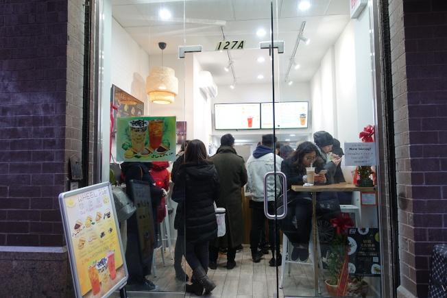 首家台灣小吃車輪餅店進駐華埠。(記者金春香/攝影)