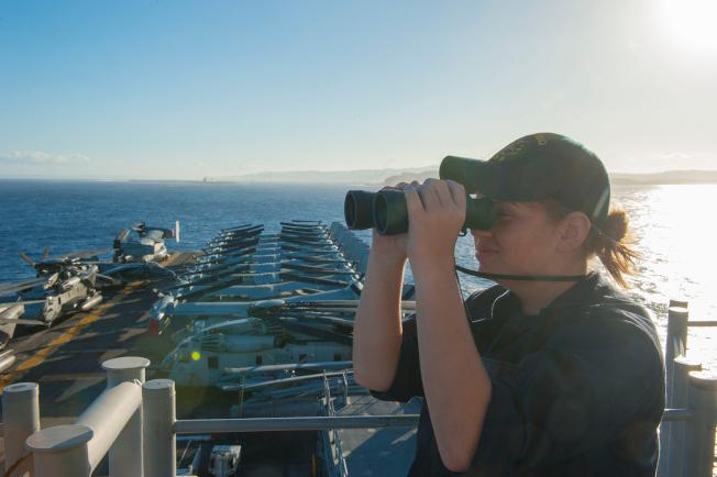 為因應朝鮮半島情勢,美軍兩棲攻擊艦「亞美利加號」進駐關島。(美軍太平洋司令部)