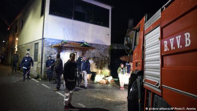 葡萄牙警方表示,北部城鎮通德拉(Tondela)附近一處社區中心發生大火,已知造成至少8人喪生和50人受傷。圖擷自DW