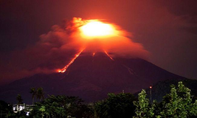 馬永火山連日噴發 意外恢復完美圓錐體