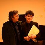 華裔小鋼琴家 國際音樂賽奪雙冠
