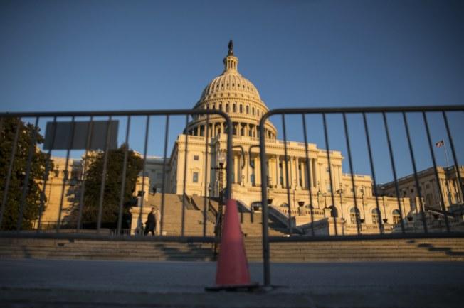 國會參院若協商破裂,聯邦政府即將關門。(歐新社)