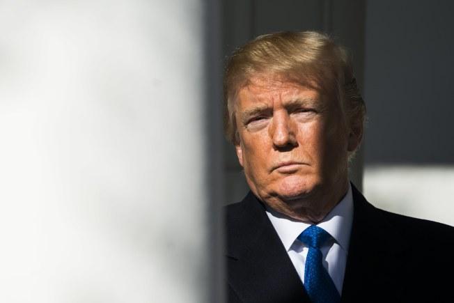 聯邦政府面臨關門,使川普總統就職周年紀念蒙上陰影。(歐新社)