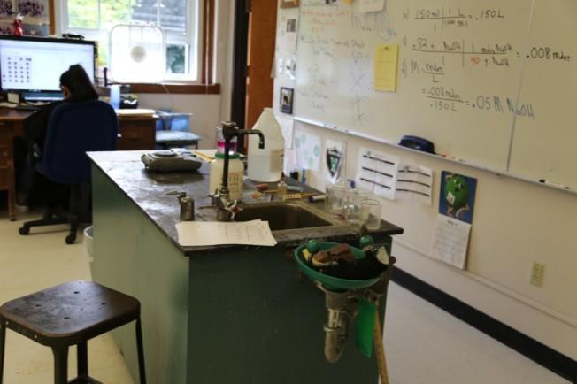 塞勒姆凱薩爾公立學區的中學實驗室。(塞勒姆凱薩爾公立學區)