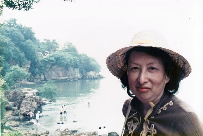 黃卓吾1989年在無錫旅遊。(家屬提供)